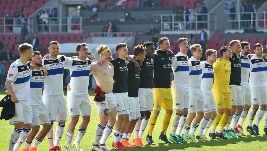 INGOLSTADT, GERMANY - APRIL 08: The Bielefeld team celebrates after the Second Bundesliga match between FC Ingolstadt 04 and DSC Arminia Bielefeld at Audi Sportpark on April 8, 2018 in Ingolstadt, Germany. (Photo by Thomas Starke/Bongarts/Getty Images)