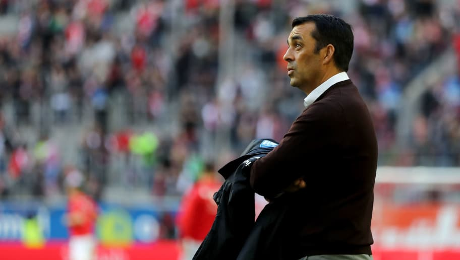 DUESSELDORF, GERMANY - APRIL 06: Head coach Robin Dutt of Bochum looks on prior to the Second Bundesliga match between Fortuna Duesseldorf and VfL Bochum 1848 at Esprit-Arena on April 6, 2018 in Duesseldorf, Germany. The match between Duesseldorf and Bochum ended 1-2. (Photo by Christof Koepsel/Bongarts/Getty Images)