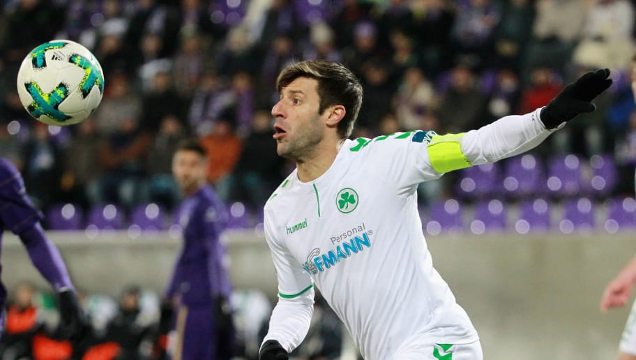AUE, GERMANY - MARCH 19:  Marco Caligiuri of Fuerth during the second Bundesliga match between FC Erzgebirge Aue and SpVgg Greuther Fuerth at Sparkassen-Erzgebirgsstadion on March 19, 2018 in Aue, Germany. (Photo by Karina Hessland-Wissel/Bongarts/Getty Images)