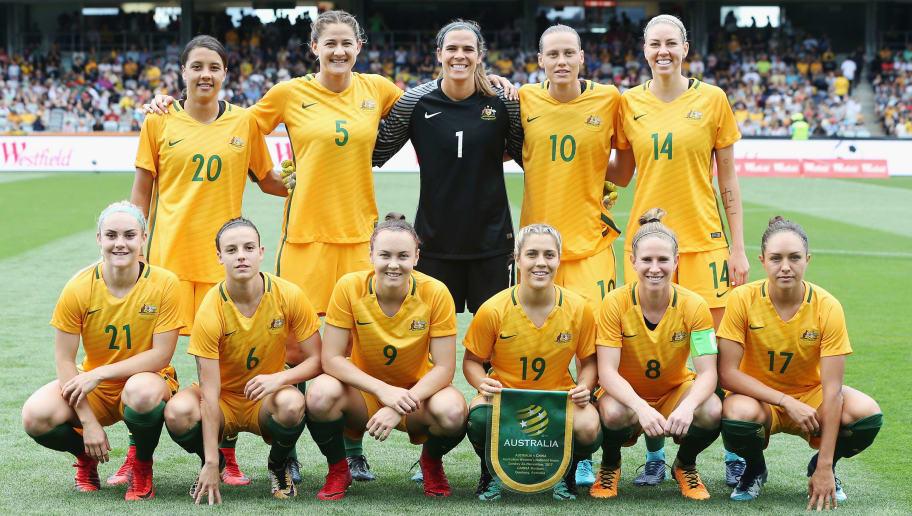 GEELONG, AUSTRALIA - NOVEMBER 26:  Matildas players pose during the Women's International match between the Australian Matildas and China PR at Simonds Stadium on November 26, 2017 in Geelong, Australia.  (Photo by Michael Dodge/Getty Images)