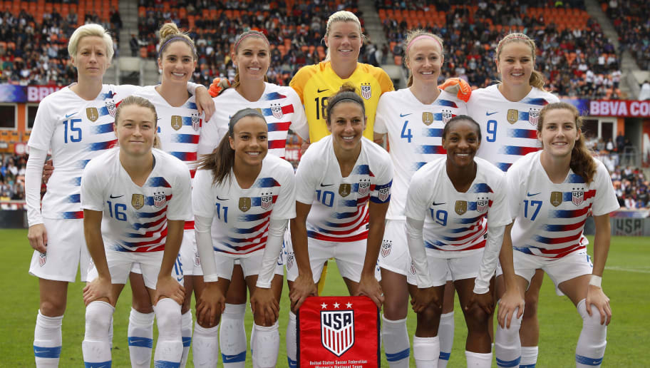 HOUSTON, TX - APRIL 08:  The United States poses for a photo before the game against the Mexico at BBVA Compass Stadium on April 8, 2018 in Houston, Texas.  (Photo by Tim Warner/Getty Images)