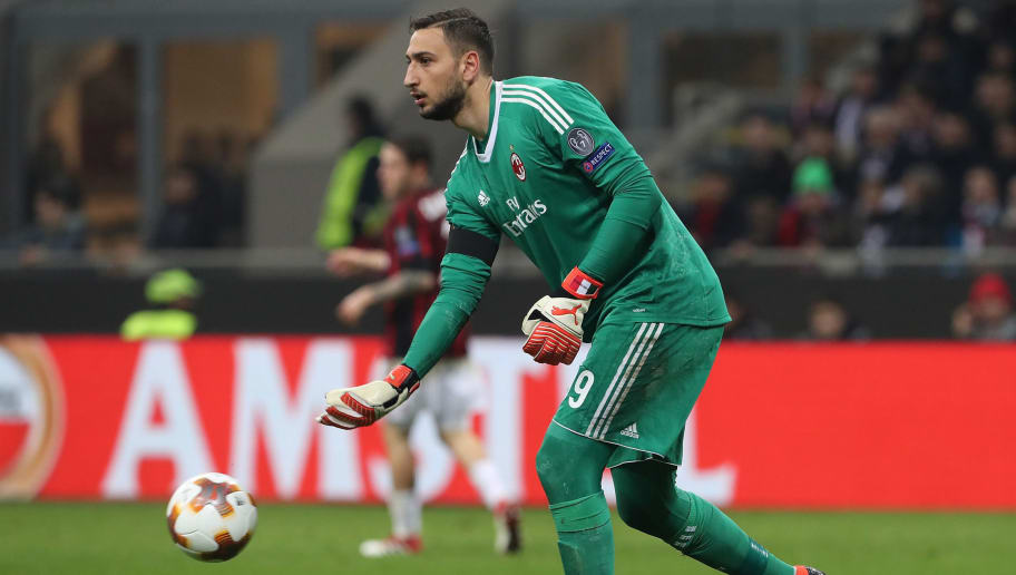 47ffef500fe74b Former AC Milan and Italy Goalkeeper Points Out Gianluigi Donnarumma's Key  Weakness