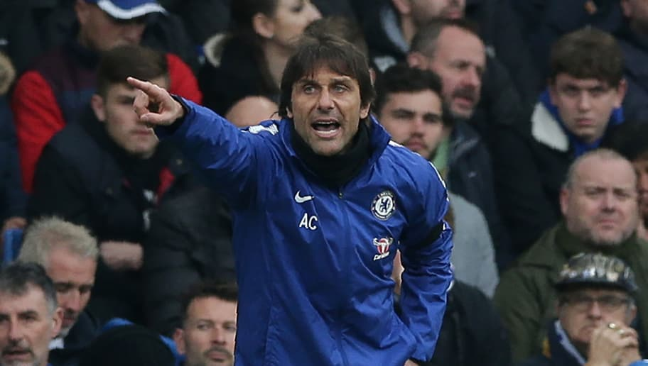 Chelsea's Italian head coach Antonio Conte gestures on the touchline during the English Premier League football match between Chelsea and West Ham United at Stamford Bridge in London on April 8, 2018. / AFP PHOTO / Daniel LEAL-OLIVAS / RESTRICTED TO EDITORIAL USE. No use with unauthorized audio, video, data, fixture lists, club/league logos or 'live' services. Online in-match use limited to 75 images, no video emulation. No use in betting, games or single club/league/player publications.  /         (Photo credit should read DANIEL LEAL-OLIVAS/AFP/Getty Images)