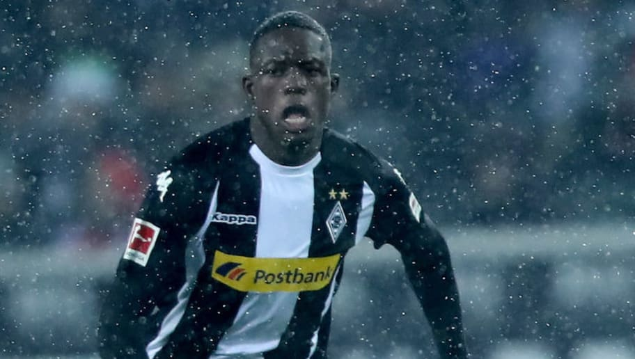 MOENCHENGLADBACH, GERMANY - MARCH 02: Denis Zakaria of Moenchengladbach runs with the ball during the Bundesliga match between Borussia Moenchengladbach and SV Werder Bremen at Borussia-Park on March 2, 2018 in Moenchengladbach, Germany. The match between Moenchengladbach and Bremen ended 2-2. (Photo by Christof Koepsel/Bongarts/Getty Images)