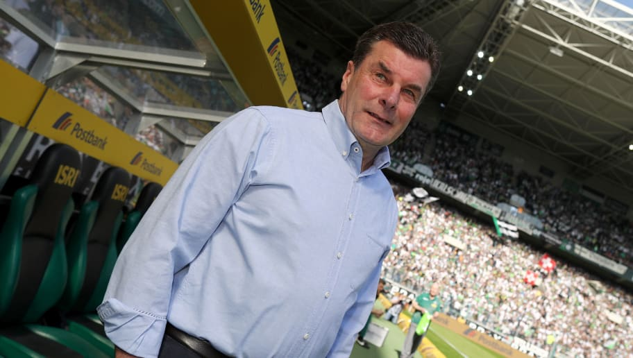 MOENCHENGLADBACH, GERMANY - APRIL 07: Head coach Dieter Hecking of Moenchengladbach looks on prior to the Bundesliga match between Borussia Moenchengladbach and Hertha BSC at Borussia-Park on April 7, 2018 in Moenchengladbach, Germany. (Photo by Christof Koepsel/Bongarts/Getty Images)