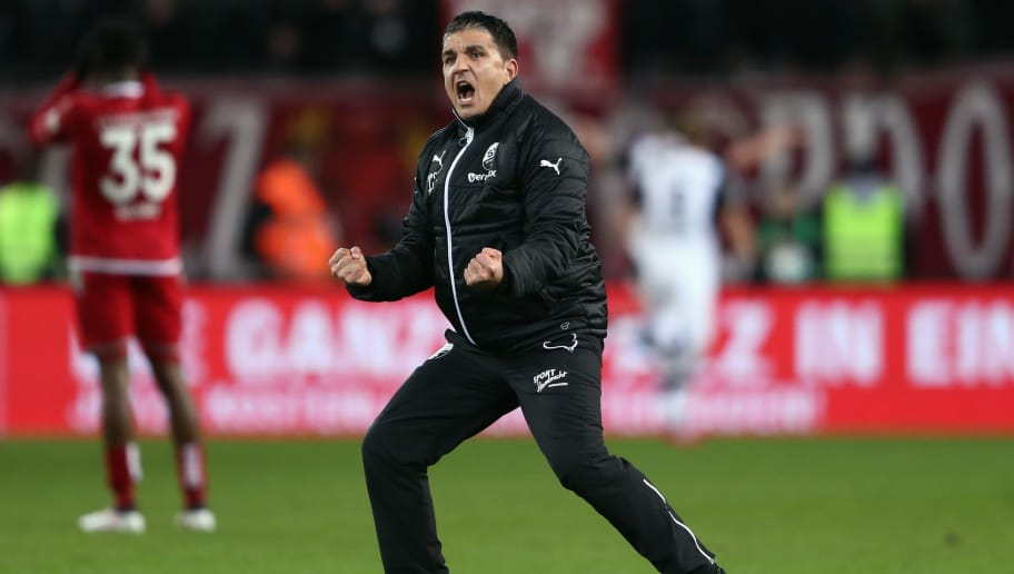 KAISERSLAUTERN, GERMANY - FEBRUARY 16:  Head coach Kenan Kocak of Sandhausen celebrates after Philipp Foerster scored his team's first goal during the Second Bundesliga match between 1. FC Kaiserslautern and SV Sandhausen at Fritz-Walter-Stadion on February 16, 2018 in Kaiserslautern, Germany.  (Photo by Alex Grimm/Bongarts/Getty Images)