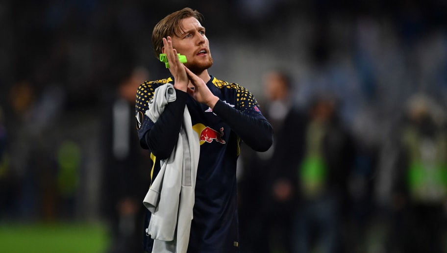 MARSEILLE, FRANCE - APRIL 12:  Emil Forsberg of RB Leipzig salutes the fans at the end of the UEFA Europa League quarter final leg two match between Olympique Marseille and RB Leipzig at Stade Velodrome on April 12, 2018 in Marseille, France.  (Photo by Valerio Pennicino/Bongarts/Getty Images)