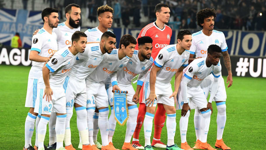 Olympique de Marseille players are pictured before the Europa League quarter final second leg football match Olympique de Marseille (OM) vs RB Leipzig at the Velodrome stadium in Marseille, on April 12, 2018.    / AFP PHOTO / BORIS HORVAT        (Photo credit should read BORIS HORVAT/AFP/Getty Images)