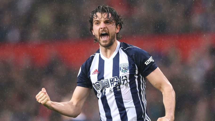 MANCHESTER, ENGLAND - APRIL 15: Jay Rodriguez of West Bromwich Albion celebrates after scoring his sides first goal during the Premier League match between Manchester United and West Bromwich Albion at Old Trafford on April 15, 2018 in Manchester, England.  (Photo by Laurence Griffiths/Getty Images)