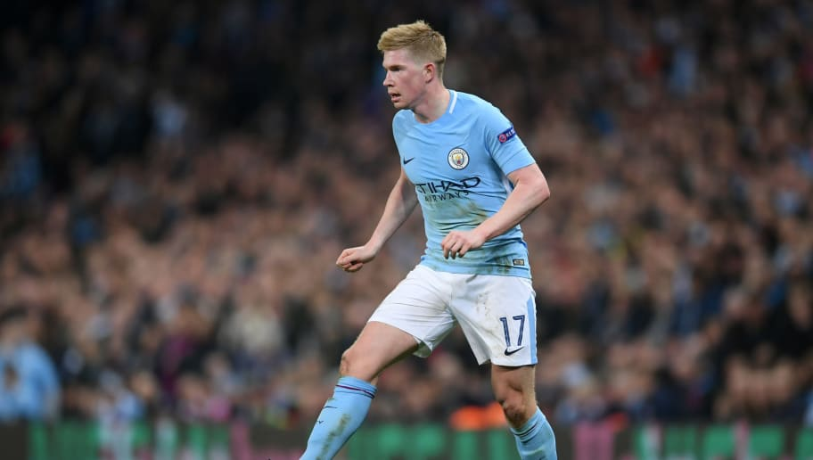 MANCHESTER, ENGLAND - APRIL 10:  Kevin De Bruyne of Manchester City runs with the ball during the Quarter Final Second Leg match between Manchester City and Liverpool at Etihad Stadium on April 10, 2018 in Manchester, England.  (Photo by Laurence Griffiths/Getty Images,)
