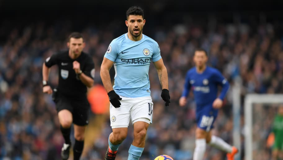 MANCHESTER, ENGLAND - MARCH 04: Sergio Aguero of Manchester City runs with the ball during the Premier League match between Manchester City and Chelsea at Etihad Stadium on March 4, 2018 in Manchester, England.  (Photo by Shaun Botterill/Getty Images)
