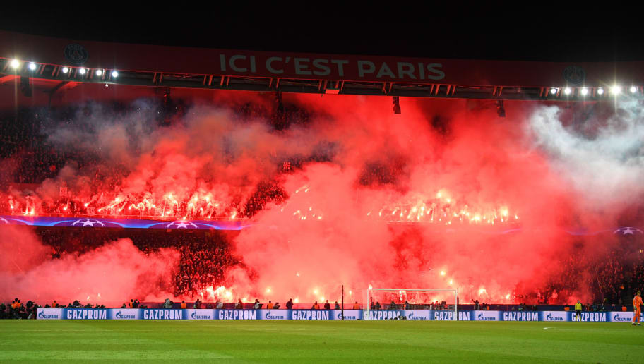 PARIS, FRANCE - MARCH 06:  PSG fans light flares during the UEFA Champions League Round of 16 Second Leg match between Paris Saint-Germain and Real Madrid at Parc des Princes on March 6, 2018 in Paris, France.  (Photo by Matthias Hangst/Getty Images)