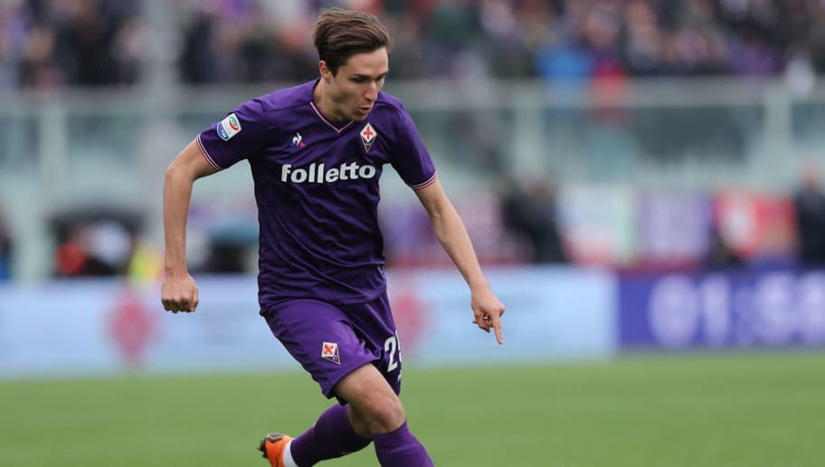 FLORENCE, ITALY - APRIL 15: Federico Chiesa of ACF Fiorentina in action during the serie A match between ACF Fiorentina and Spal at Stadio Artemio Franchi on April 15, 2018 in Florence, Italy.  (Photo by Gabriele Maltinti/Getty Images)