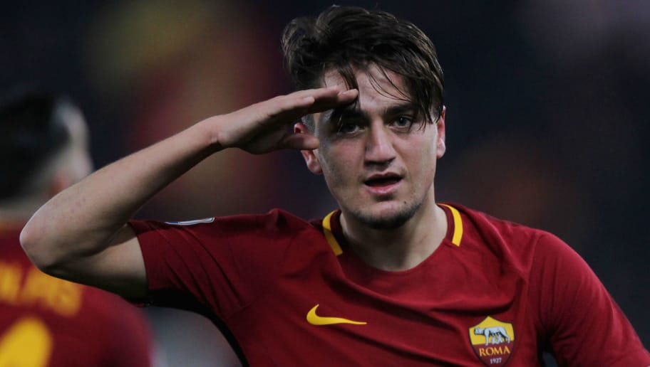 ROME, ITALY - FEBRUARY 11:  Cengiz Under of AS Roma celebrates after scoring the team's third goal during the serie A match between AS Roma and Benevento Calcio at Stadio Olimpico on February 11, 2018 in Rome, Italy.  (Photo by Paolo Bruno/Getty Images)