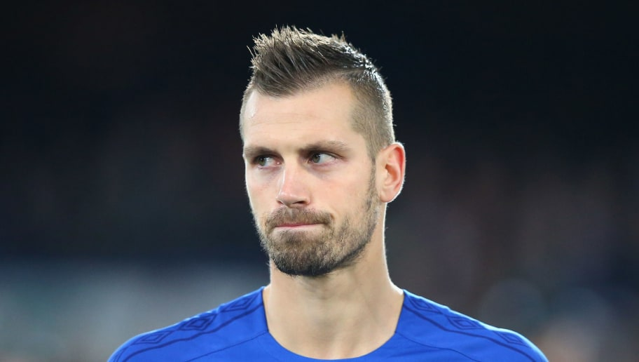LIVERPOOL, ENGLAND - SEPTEMBER 28:  Morgan Schneiderlin of Everton FC lines up prior to the UEFA Europa League group E match between Everton FC and Apollon Limassol at Goodison Park on September 28, 2017 in Liverpool, United Kingdom.  (Photo by Alex Livesey/Getty Images)