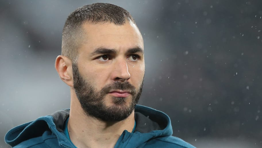 TURIN, ITALY - APRIL 03:  Karim Benzema of Real Madrid looks on during the UEFA Champions League Quarter Final Leg One match between Juventus and Real Madrid at Allianz Stadium on April 3, 2018 in Turin, Italy.  (Photo by Emilio Andreoli/Getty Images)