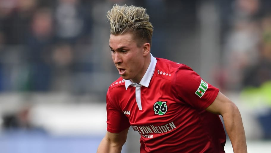 HANOVER, GERMANY - MARCH 10:  Felix Klaus of Hannover in action during the Bundesliga match between Hannover 96 and FC Augsburg at HDI-Arena on March 10, 2018 in Hanover, Germany.  (Photo by Stuart Franklin/Bongarts/Getty Images)