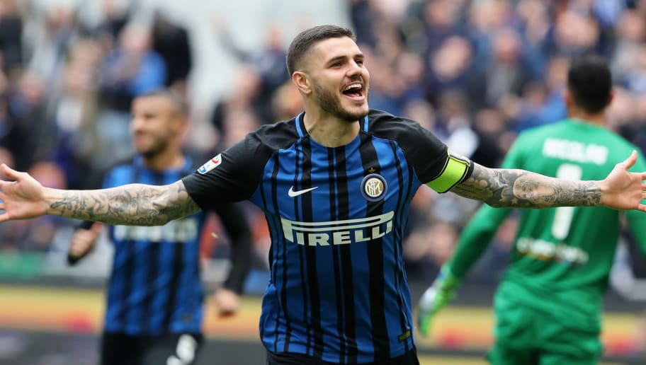 MILAN, ITALY - MARCH 31: Mauro Icardi of Inter celebrates after scoring his team's opening goal during the serie A match between FC Internazionale and Hellas Verona FC at Stadio Giuseppe Meazza on March 31, 2018 in Milan, Italy.  (Photo by Maurizio Lagana/Getty Images)