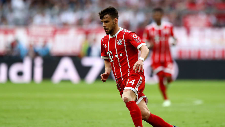 MUNICH, GERMANY - APRIL 14:  Juan Bernat of Muenchen runs with the ball during the Bundesliga match between FC Bayern Muenchen and Borussia Moenchengladbach at Allianz Arena on April 14, 2018 in Munich, Germany.  (Photo by Martin Rose/Bongarts/Getty Images)