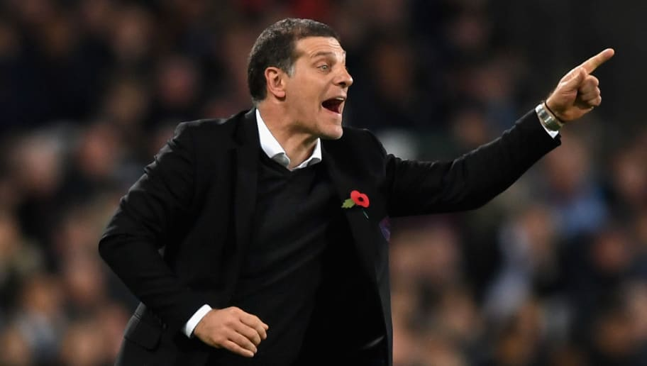 LONDON, ENGLAND - NOVEMBER 04:  Slaven Bilic, Manager of West Ham United reacts during the Premier League match between West Ham United and Liverpool at London Stadium on November 4, 2017 in London, England.  (Photo by Shaun Botterill/Getty Images)