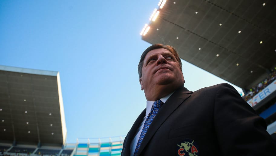 PUEBLA, MEXICO - APRIL 20: Miguel Herrera Coach of America looks on during the 16th round match between Puebla and America as part of the Torneo Clausura 2018 Liga MX at Cuauhtemoc Stadium on April 20, 2018 in Puebla, Mexico. (Photo by Manuel Velasquez/Getty Images)