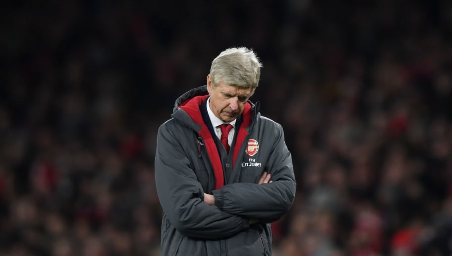 b40732a74 LONDON, ENGLAND - DECEMBER 02: Arsene Wenger of Arsenal shows his  disappointment during the