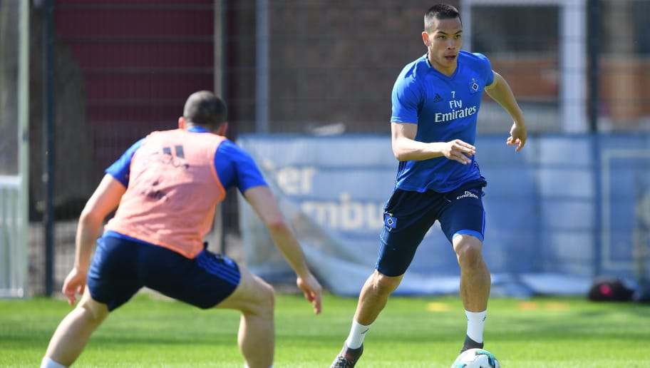 HAMBURG, GERMANY - APRIL 18:  Bobby Wood of Hamburg in action during a training session of Hamburger SV at Volksparkstadion on April 18, 2018 in Hamburg, Germany.  (Photo by Stuart Franklin/Bongarts/Getty Images)