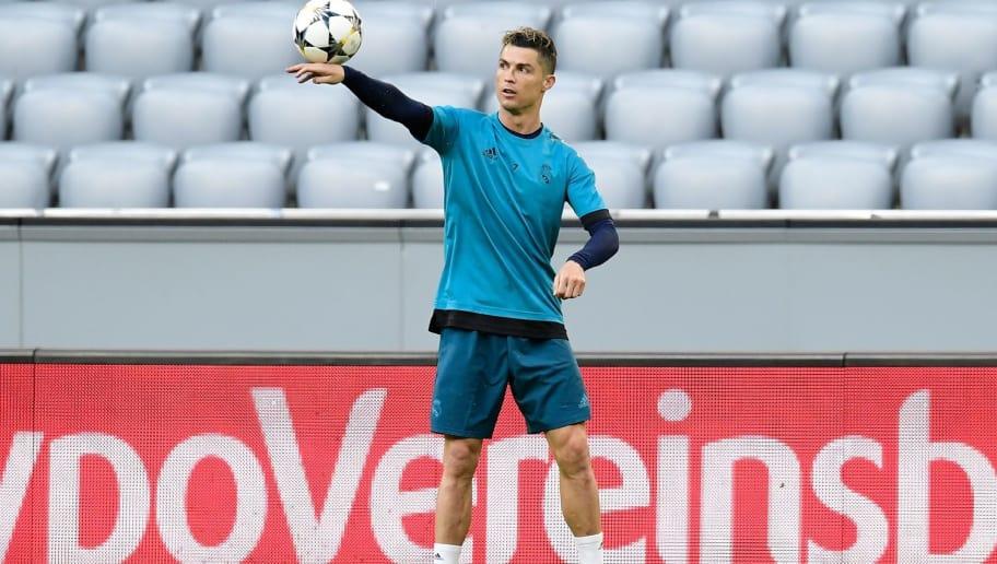 99e2366994a02e PHOTO  Cristiano Ronaldo Sends Man Utd Star Marcus Rashford Another  Personalised Gift