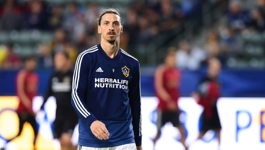Zlatan Ibrahimovic of LA Galaxy takes part in the warm-up before the Major League Soccer match between Atlanta United and LA Galaxy in Carson, California on April 21, 2018. (Photo by Frederic J. BROWN / AFP)        (Photo credit should read FREDERIC J. BROWN/AFP/Getty Images)