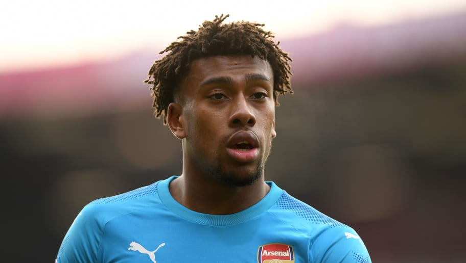 BOURNEMOUTH, ENGLAND - JANUARY 14:  Alex Iwobi of Arsenal looks on during the Premier League match between AFC Bournemouth and Arsenal at Vitality Stadium on January 14, 2018 in Bournemouth, England.  (Photo by Mike Hewitt/Getty Images)