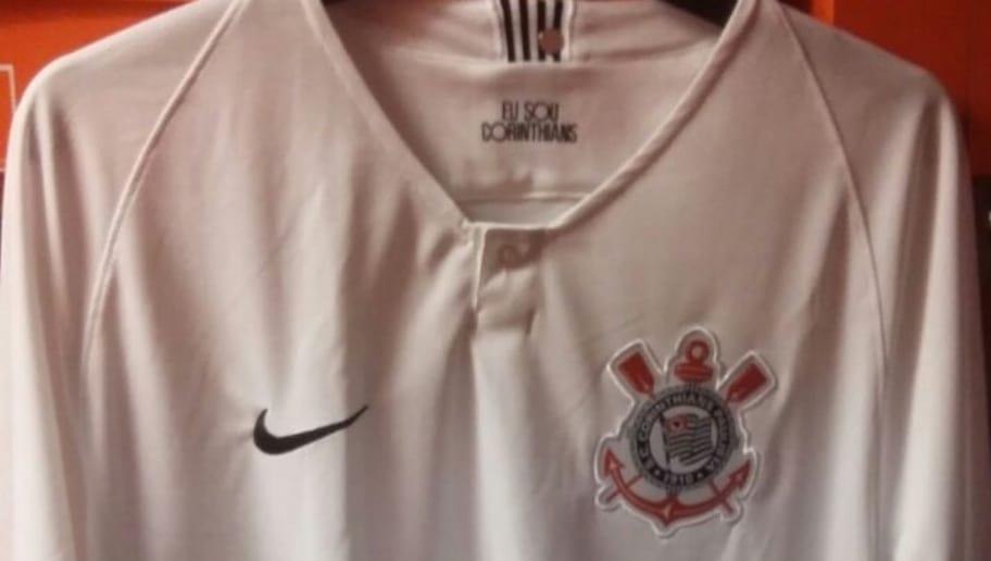 Imagens de supostas novas camisas do Corinthians vazam na internet ... ccda2c171aed9