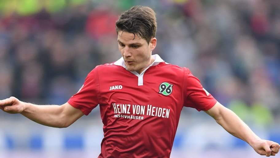 HANOVER, GERMANY - MARCH 10:  Pirmin Schwegler of Hannover in action during the Bundesliga match between Hannover 96 and FC Augsburg at HDI-Arena on March 10, 2018 in Hanover, Germany.  (Photo by Stuart Franklin/Bongarts/Getty Images)