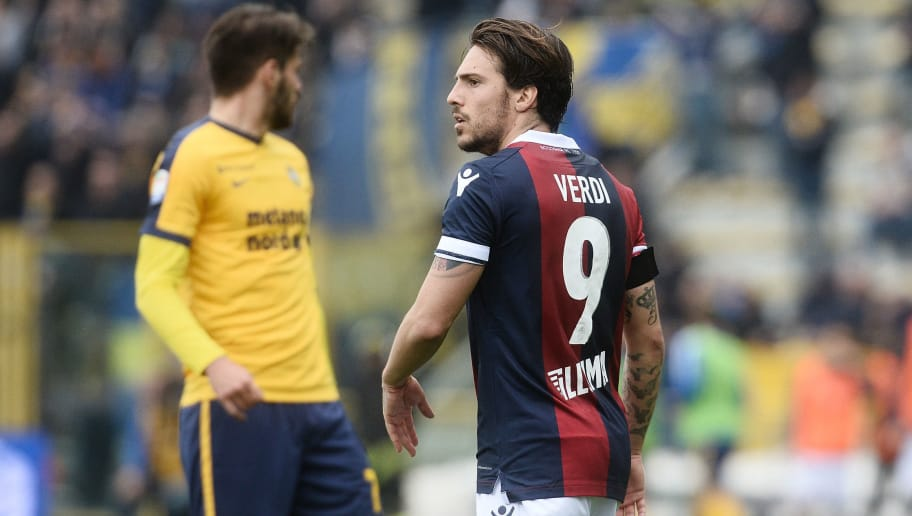 BOLOGNA, ITALY - APRIL 15: Simone Verdi of Bologna FC looks on during the serie A match between Bologna FC and Hellas Verona FC at Stadio Renato Dall'Ara on April 15, 2018 in Bologna, Italy.  (Photo by Mario Carlini / Iguana Press/Getty Images)