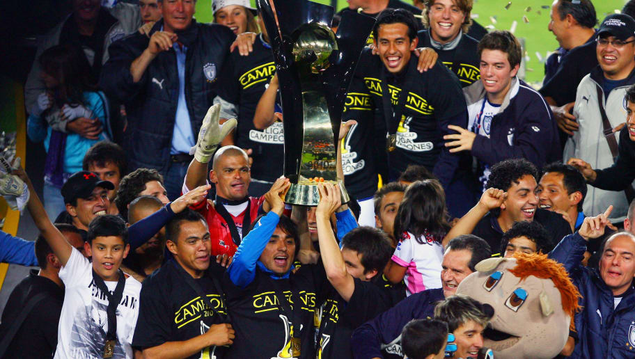 PACHUCA, MEXICO - APRIL 28:  Members of Pachuca celebrate the championship title after defeating Cruz Azul during a match as part of the Concacaf Championship at the Hidalgo Stadium on April 28, 2010 in Pachuca, Mexico. (Photo by Jaime Lopez/LatinContent/Getty Images)