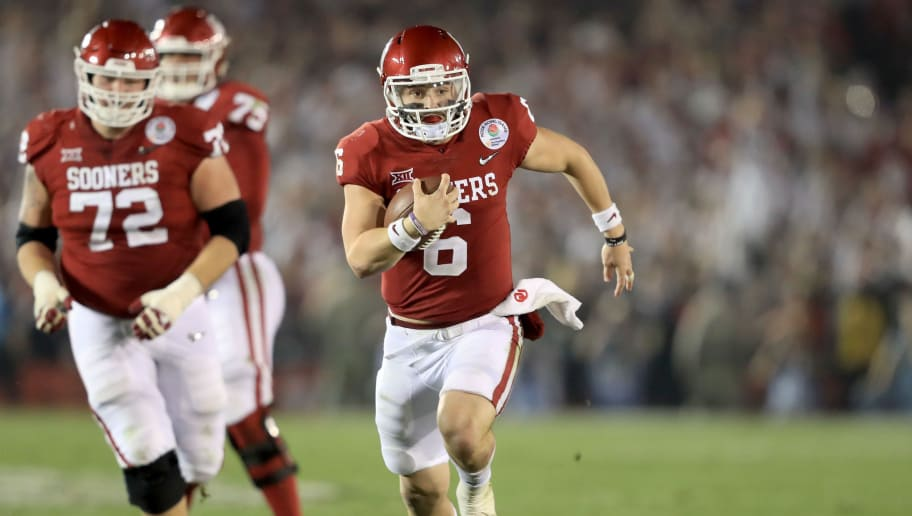 PASADENA, CA - JANUARY 01: Baker Mayfield #6 of the Oklahoma Sooners runs the ball down field in the 2018 College Football Playoff Semifinal Game against the Georgia Bulldogs at the Rose Bowl Game presented by Northwestern Mutual at the Rose Bowl on January 1, 2018 in Pasadena, California.  (Photo by Sean M. Haffey/Getty Images)