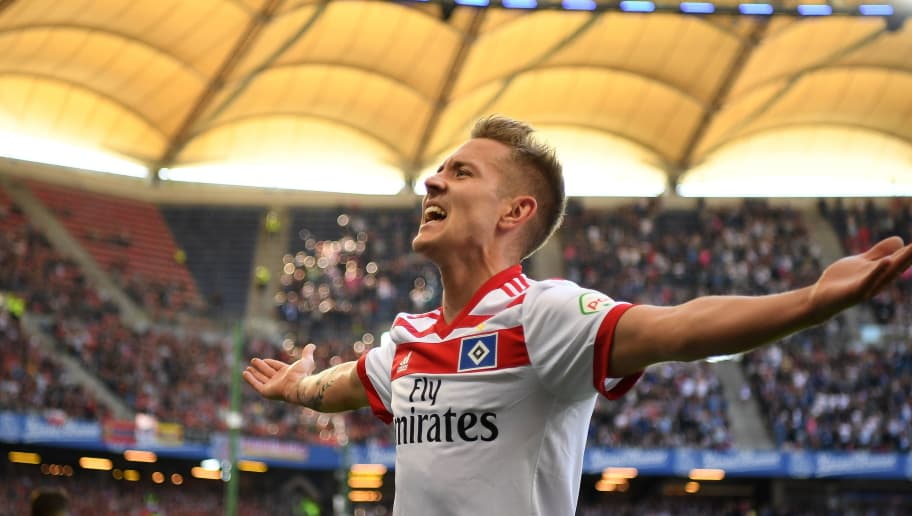HAMBURG, GERMANY - APRIL 21:  Lewis Holtby of Hamburg celebrates scoring his goal during the Bundesliga match between Hamburger SV and Sport-Club Freiburg at Volksparkstadion on April 21, 2018 in Hamburg, Germany.  (Photo by Stuart Franklin/Bongarts/Getty Images)