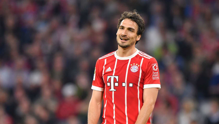 MUNICH, GERMANY - APRIL 14: Mats Hummels of Bayern Muenchen looks on during the Bundesliga match between FC Bayern Muenchen and Borussia Moenchengladbach at Allianz Arena on April 14, 2018 in Munich, Germany. (Photo by Sebastian Widmann/Bongarts/Getty Images,)