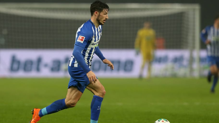 BERLIN, GERMANY - MARCH 31:  Mathew Leckie of Berlin runs with the ball during the Bundesliga match between Hertha BSC and VFL Wolfsburg at Olympiastadion on March 31, 2018 in Berlin, Germany.  (Photo by Matthias Kern/Bongarts/Getty Images)