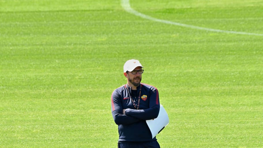 As Roma's coach Eusebio Di Francesco takes part in a training session, on the eve of the Champions League semi-final, first-leg football match Liverpool vs AS Roma on April 23, 2018 at Trigoria training ground in the outskirts of Rome. (Photo by Alberto PIZZOLI / AFP)        (Photo credit should read ALBERTO PIZZOLI/AFP/Getty Images)