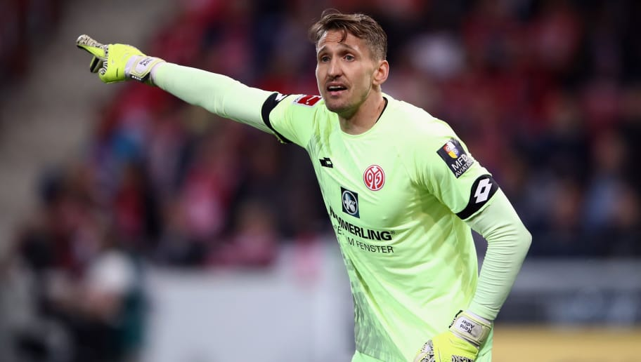 MAINZ, GERMANY - APRIL 16:  Goalkeeper Rene Adler of Mainz gestures during the Bundesliga match between 1. FSV Mainz 05 and Sport-Club Freiburg at Opel Arena on April 16, 2018 in Mainz, Germany.  (Photo by Alex Grimm/Bongarts/Getty Images)