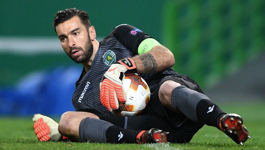 LISBON, PORTUGAL - MARCH 08: Rui Patricio of Sporting Lisbon in action during the UEFA Europa League Round of 16 first leg match between Sporting Lisbon and Viktoria Plzen at Estadio Jose Alvalade on March 8, 2018 in Lisbon, Portugal. (Photo by Octavio Passos/Getty Images)