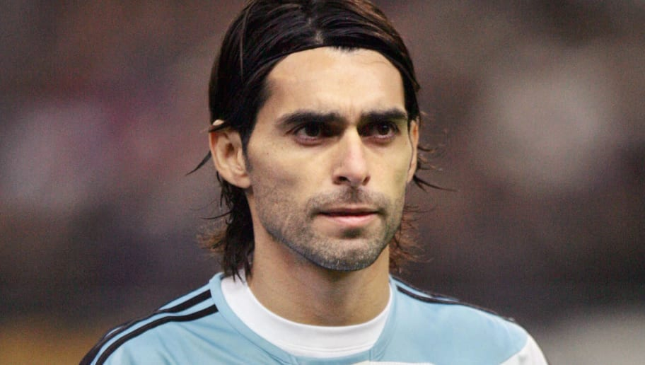 Saint-Denis, FRANCE: Argentina's defender and Captain Roberto Ayala is pictured prior the friendly football match France vs. Argentina, 07 February 2007 at the Stade de France in Saint-Denis, north of Paris.  Argentina won 1-0.    AFP PHOTO / JACK GUEZ (Photo credit should read JACK GUEZ/AFP/Getty Images)