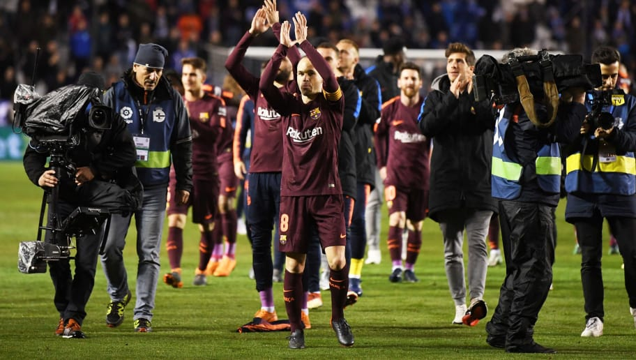 LA CORUNA, SPAIN - APRIL 29:  Andres Iniesta of Barcelona (8) and team mates celebrate winning the title after the La Liga match between Deportivo La Coruna and Barcelona at Estadio Riazor on April 29, 2018 in La Coruna, Spain. Barcelona clinch the La Liga championship with a 4-2 victory.  (Photo by David Ramos/Getty Images)