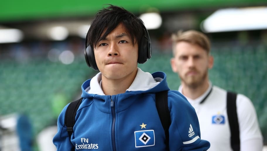 WOLFSBURG, GERMANY - APRIL 28:  Tatsuya Ito of Hamburg arrievs prior to the Bundesliga match between VfL Wolfsburg and Hamburger SV at Volkswagen Arena on April 28, 2018 in Wolfsburg, Germany.  (Photo by Oliver Hardt/Bongarts/Getty Images)