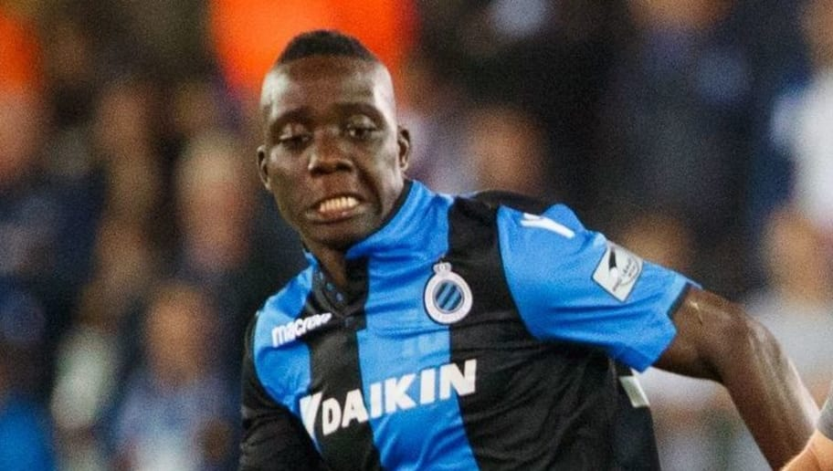 Club's Marvelous Nakamba (L) vies with AEK's Petros Mantalos during the UEFA Europa League playoff round football match between Club Brugge KSV and AEK Athens FC in Brugge on August 17, 2017. / AFP PHOTO / Belga / KURT DESPLENTER / Belgium OUT        (Photo credit should read KURT DESPLENTER/AFP/Getty Images)