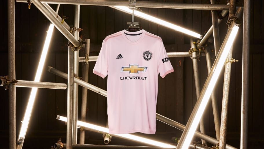 7514a6bfafe PHOTOS: Manchester United Officially Announce Pink Away Kit for 2018/19 in  Tribute to Local Paper