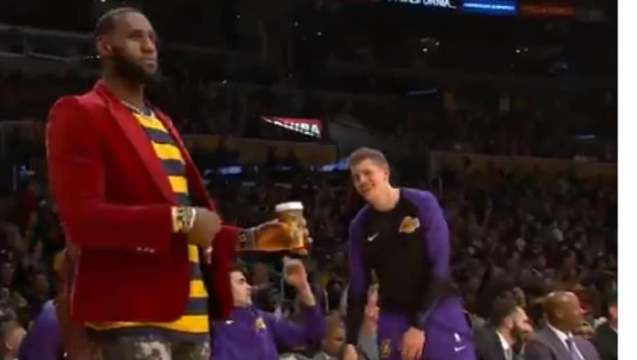 5aaac6b37d63 VIDEO  LeBron Celebrates Lance Stephenson 3-Pointer With Hilarious Strum