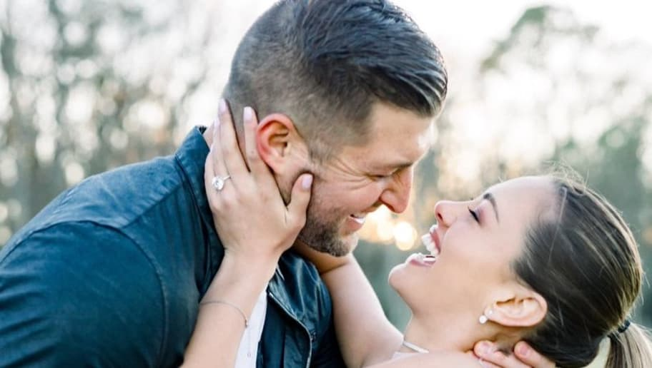 Tim Tebow Releases Engagement Pics