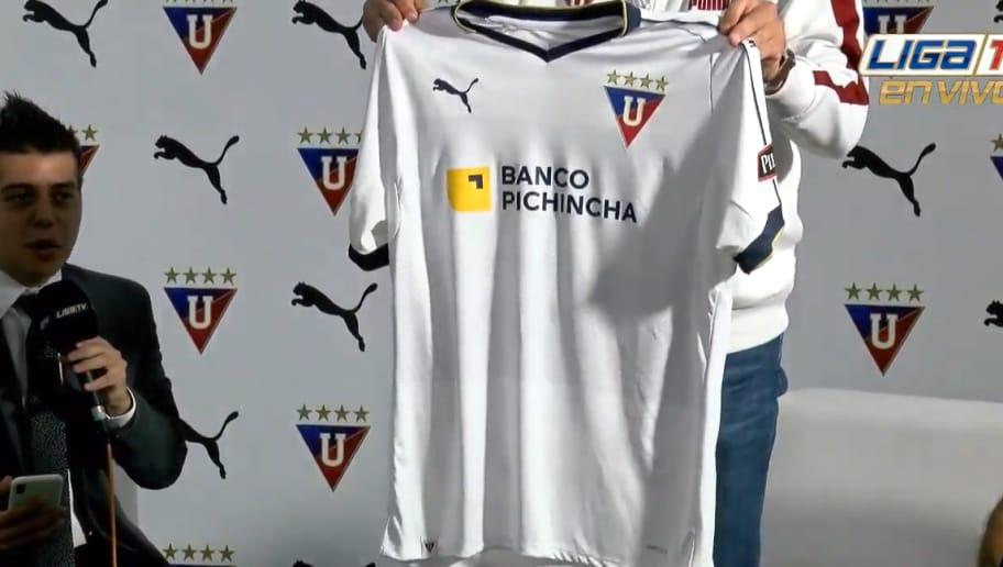ea5bcb1739bcd Liga de Quito presentó su nueva camiseta para la temporada 2019