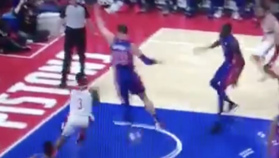 VIDEO: Bradley Beal Gets Away With Absurd 4-Step Travel Against
